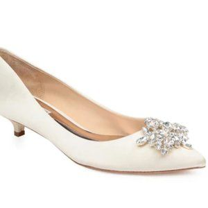 NWB - Badgley Mischka Vail Kitten Evening Pump